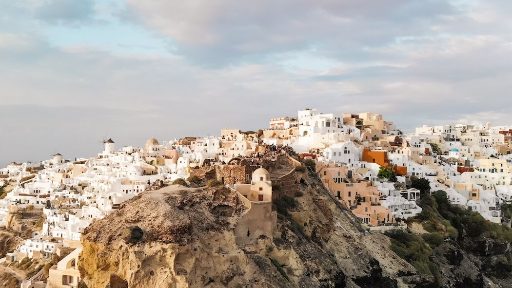 5 Ways to do Oia, Santorini on a Budget Without Giving Up Too Many Luxuries